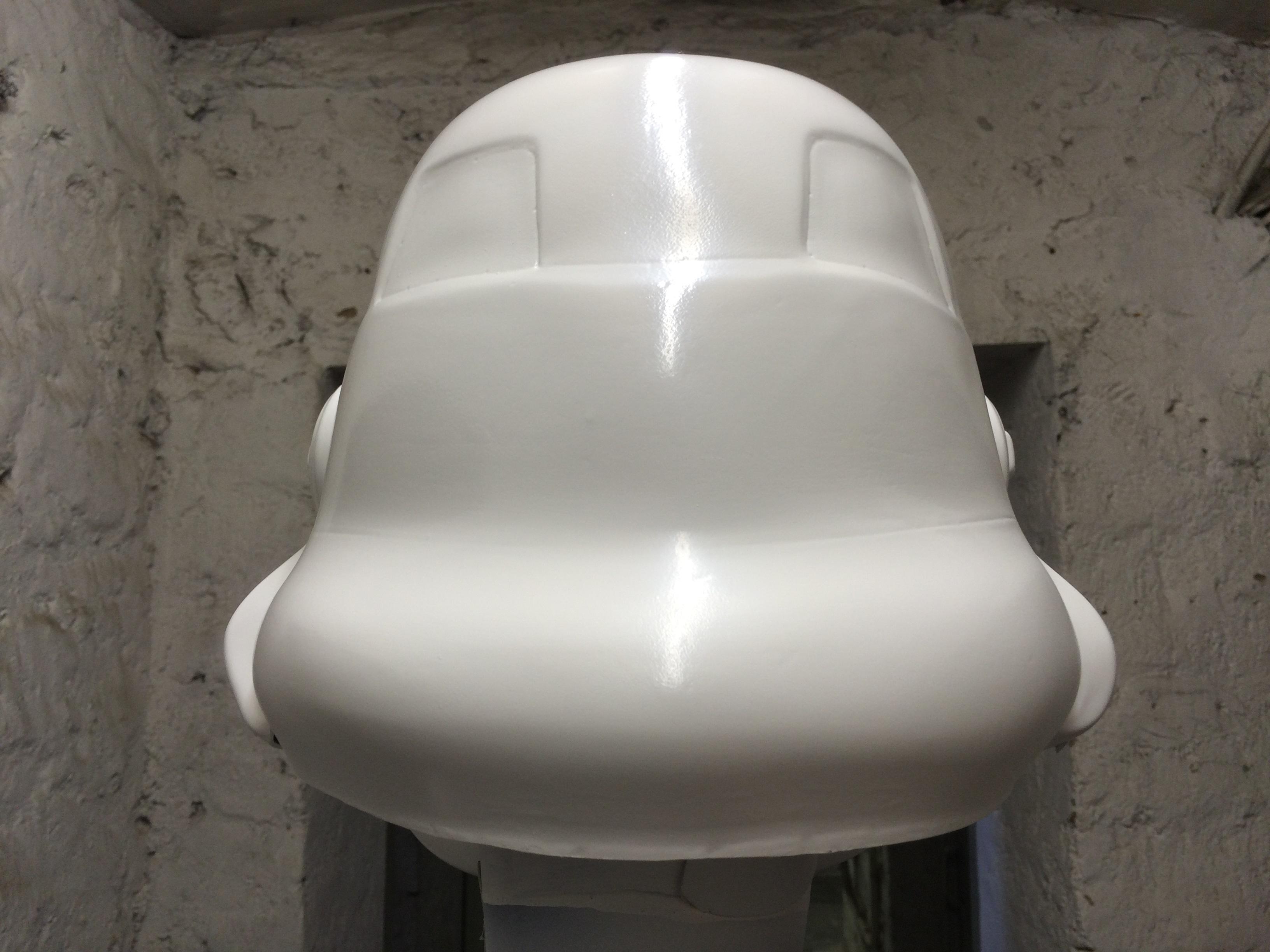www.bartmarke.net/501st/WIP/FISD/Helmet/HDPE/13072015/PaintedBack2.JPG