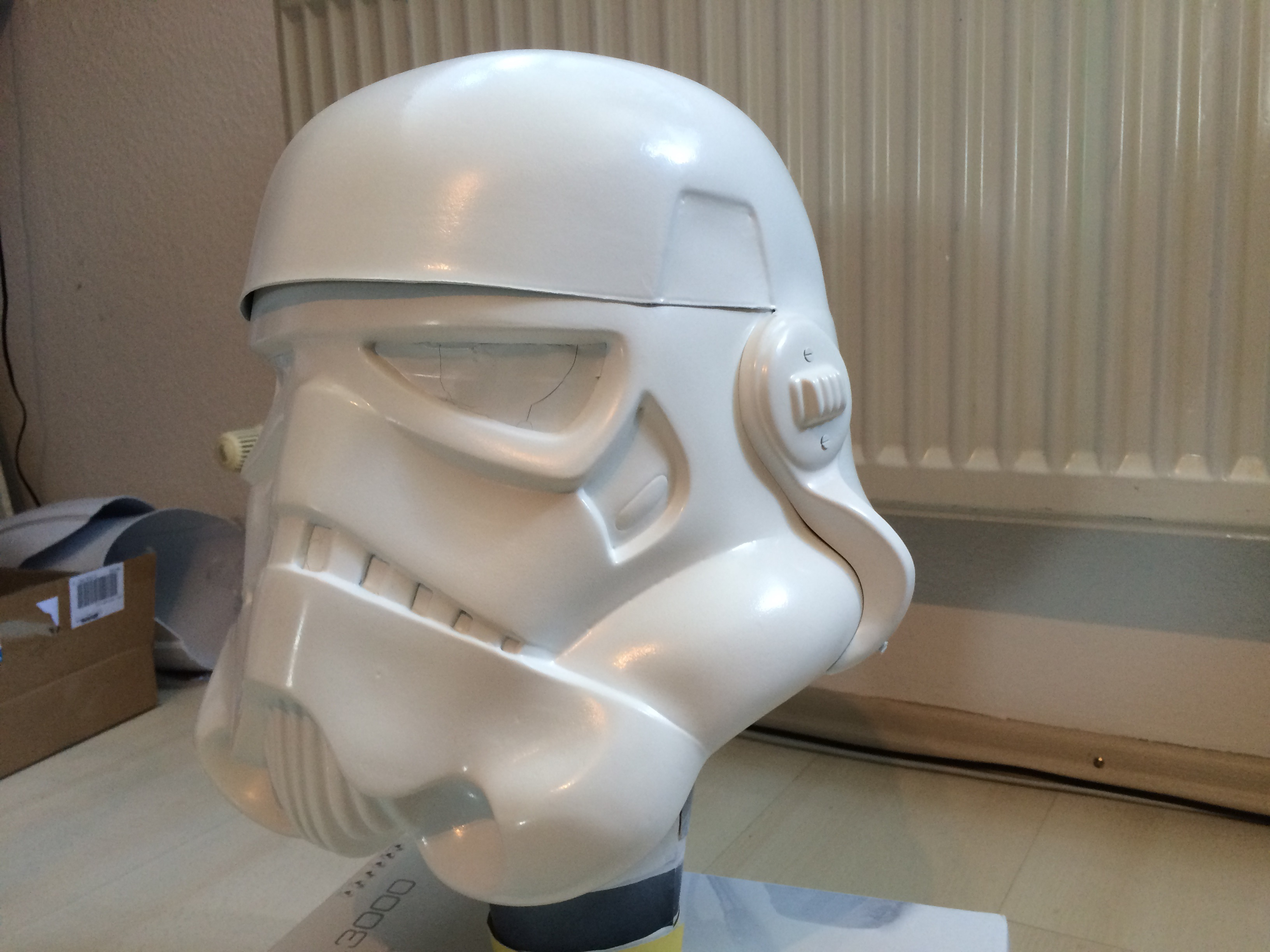 www.bartmarke.net/501st/WIP/FISD/Helmet/HDPE/PaintedLeft.JPG